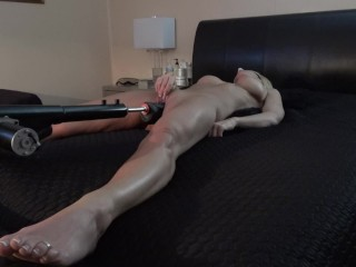 SEXY MILF FUCKED MISSIONARY STYLE WITH DILDO MACHINE - REAL ORGASMS.