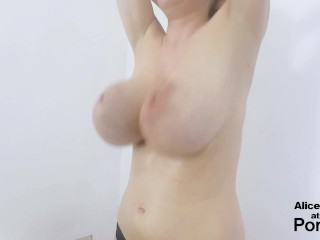 F Cup Boobs Bounce So Hard they Clap !