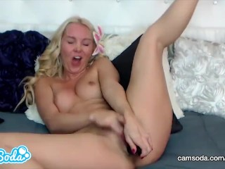 Aaliyah Love big ass MILF fingering her tight ass and wet vagina.