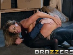 Brazzers - Aubrey Black needs a lil help at the sexshop