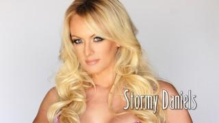 Busty blonde MILF pornstar Stormy Daniels giving a close up blowjob № 96135 бесплатно