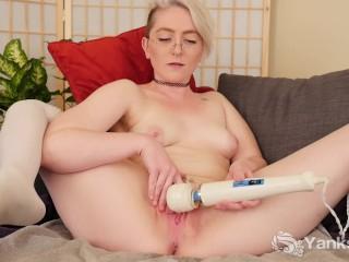 Yanks Blonde Summer Lynn Somers Masturbates