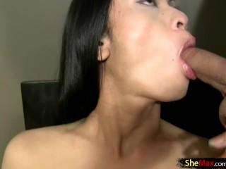 azijski tranny sranje penis penis dok jerking off i jizzing