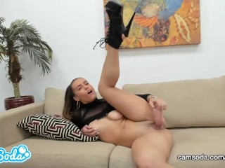 Kelsi Monroe big ass brunette playing with her wet pussy.