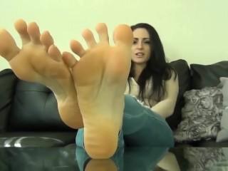 Cleo Feet