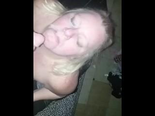 Amateur BBW Sucks White Dick