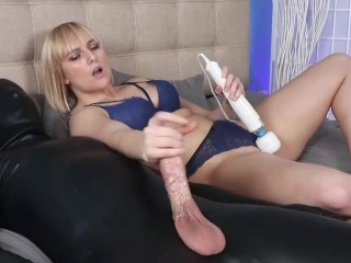 Teen Babe Makes Men Spurt Their Seed With Her Killer Grip