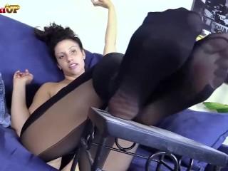 Brunette in Pantyhose JOI