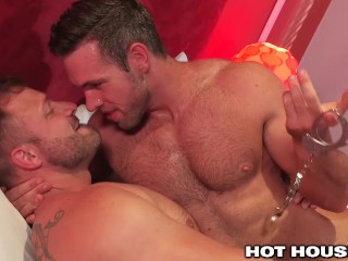 HOT HAIRY MUSCLE DADDIES FUCKING Austin Wolf & Alex Mecum