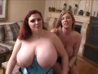 Zoey - BBW lesbian Getting fucked