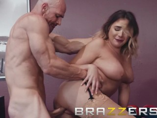 Brazzers - Blair Williams shows off her big tits