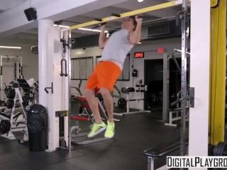 DigitalPlayground - Gym-Fails flx Kelsi Monroe
